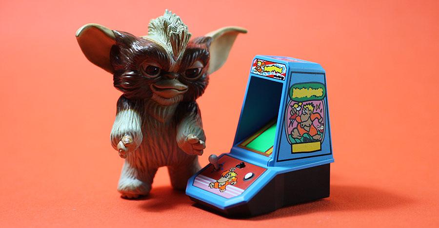 Kotobukiya – Mogwai playing Donkey Kong gremlins